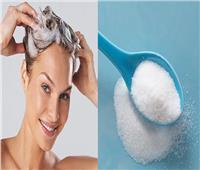خبراء التجميل ينصحون بوضع القليل من السكر على الشامبو .. لهذا السبب
