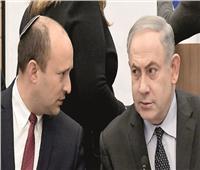 نتانياهو يقود معارك العودة لرئاسة الوزراء بسلاح «حوض الأسماك»