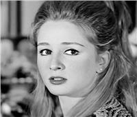 «لوليتا» السينما.. تقطع شريانها عقابا لأسرتها