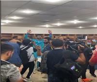 فيديو| الشناوى يطالب الإعلاميين بالخروج من غرفة الملابس بعد تخطي الترجي