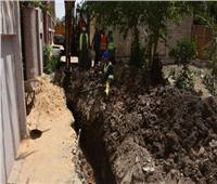 تنفيذ أعمال إحلال وتجديد خطوط الصرف الصحي بشبين القناطر بالقليوبية