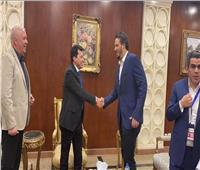 وزير الرياضة يدعم بيراميدز أمام الرجاء المغربي