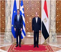 السيسي ورئيس وزراء اليونان: أهمية خروج كافة القوات الأجنبية والمرتزقة من ليبيا