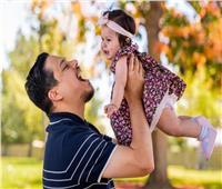حكايات| بعد محاولات للحمل.. حادث مأساوي يحول شاب لـ«أب وأم معا»