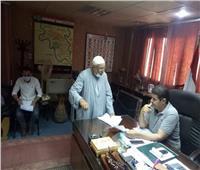 رئيس أشمون يستجيب لمطالب 60 مواطنا خلال لقاء خدمة المواطنين