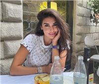 ياسمين صبري تشعل السوشيال ميديا بإطلالة جديدة