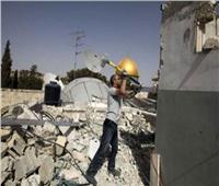 كان يجهزه لزواج ابنه.. الاحتلال يجبر فلسطينيًا على هدم منزله