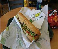 مطعم شهير مهدد بالإغلاق بسبب «ساندويتش تونة»