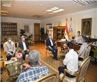 محافظ أسيوط يلتقي وفد الإنتاج الحربي لمتابعة تنفيذ مشروعات الكهرباء