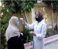 طلاب الثانوية العامة بالبحيرة «منازل وإعادة» يؤدون الامتحان التجريبي ورقيا بالمدارس