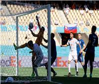 يورو2020 | خطأ من حارس سلوفاكيا يتسبب في هدف كوميدي لمنتخب إسبانيا