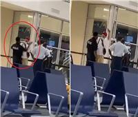 شرطي هولندي يصفع مغني راب شهير والسبب كورونا