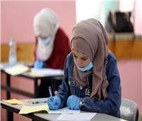 المدارس لطلاب «الثالث الثانوي»: رفع الامتحانات والإجابة على موقع الوزارة «PDF»