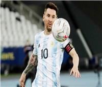 كوبا أمريكا   لاعبو الأرجنتين يفاجئون «ميسي» بعيد ميلاده الـ 34