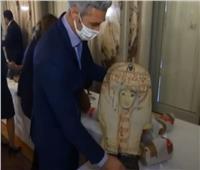 استرداد 114 قطعة أثرية من فرنسا أبرزها تماثيل «آمنحتب الثالث وحورس»