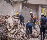 انتشال 3 جثث لسيدات من أسفل أنقاض عقار العطارين بالإسكندرية