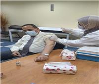 محافظ شمال سيناء: تطعيم 7550 مواطنا بسيناء بلقاح كورونا