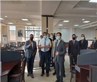 وزير التعليم العالي يتفقد مركز الاختبارات الإلكترونية بجامعة بنها