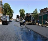 محافظ أسوان يتابع أعمال رصف الطرق الداخلية بعد إنهاء مشروعات البنية التحتية