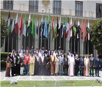 رئيس البرلمان العربي يكرم عددًا من البرلمانيين والدبلوماسيين العرب
