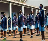 مدرسون زيمبابوي يهددون بالتوقف عن العمل لحمايتهم من كورونا