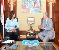 وزيرة الهجرة تستقبل السفير اليوناني لتنظيم رحلة للشباب اليونانيين والقبارصة