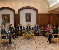 وزير التنمية المحلية: نعمل على توطين صناعة السيارات الكهربائية في مصر