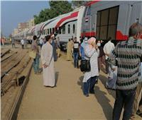 خروج جرار قطار عن القضبان بمنوف