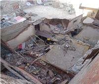 استمرار البحث عن مفقودين بعقار الإسكندرية.. والحصيلة ضحية و4 مصابين| صور