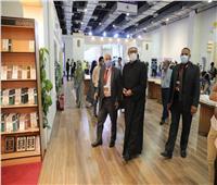 الأمين العام لمجمع البحوث الإسلامية يزور جناح الأزهر بمعرض الكتاب
