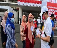 إندونيسيا تشدد القيود لاحتواء طفرة في الإصابات بفيروس كورونا