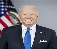 الرئيس الأمريكي يشيد بجهود إدارته في إنقاذ اقتصاد بلاده
