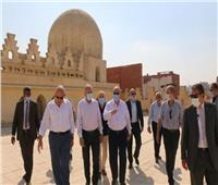 محافظ القاهرة يتفقد أعمال تطوير «القاهرة التاريخية»