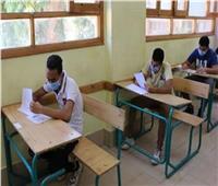 الهجان يشدد على عدم زيادة الأعداد داخل لجان الثانوية العامة عن 14 طالبًا