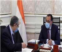 رئيس الوزراء يستعرض مع وزير الكهرباء أعمال اللجنة الدائمة