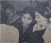 «على فين يا ست».. أول طالبة تدخل جامعة القاهرة بـ«الملاية اللف»