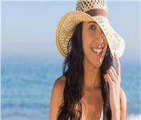 6 نصائح لحماية شعرك من مياه البحر وحمام السباحة