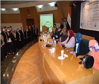 مناقشة مشاريع تخرج طلاب علاقات عامة وإعلان جامعة حلوان