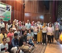 محافظ أسوان يكرم أوائل الشهادة الإعدادية