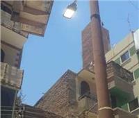 صيانة وإنارة أعمدة وكشافات الكهرباء بشوارع سمالوط بالمنيا