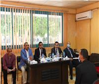 لجنة لاختبار المتقدمين لشغل الوظائف بوحدة البنية المعلوماتية في قنا