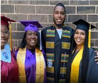 أم وأبناؤها الـ 3 يتخرجون في نفس العام | فيديو