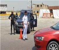 فحص 25 قائد سيارة وإيجابية 4 حالات لتحليل المخدرات في أسوان