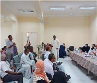 سكرتير عام الأقصر يناقش خطوات تنفيذ مشروعات «حياة كريمة» بقرية النجوع