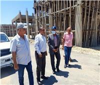 محافظ شمال سيناء يتفقد عددًا من المشروعات بالعريش