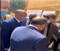 محافظ القاهرة يتفقد أحد اللجان القريبة من وزارة التربية والتعليم | فيديو