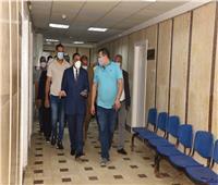 محافظ مطروح يزور طالبة دهستها سيارة أثناء ذهابها لأداء الامتحان