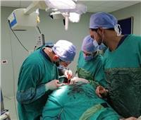 نجاح فريق من «أطباء مستشفى العلمين» في انقاذ مريض من بتر لليد بمطروح