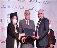 صور| الاحتفال بتخريج طلاب الزمالة بطب أسنان جامعة مصر للعلوم والتكنولوجيا مع جامعة جنوا الإيطالية