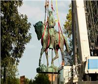 مدينة أميركية تزيل تمثالين لقياديين مؤيدين للعبودية